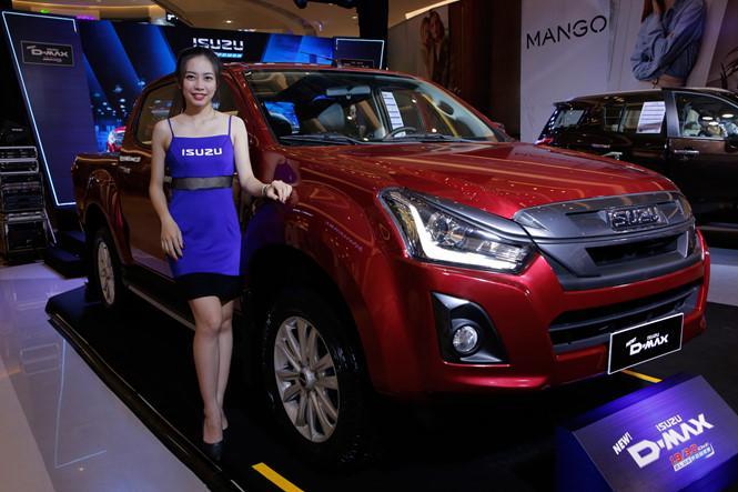 Isuzu Việt Nam trình làng bộ đôi D-Max và mu-X mới